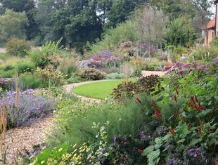 """Wystawa ogrodnicza """"Zieleń to Życie"""" i seminarium z brytyjskim architektem krajobrazu Chrisem Beardshawem"""